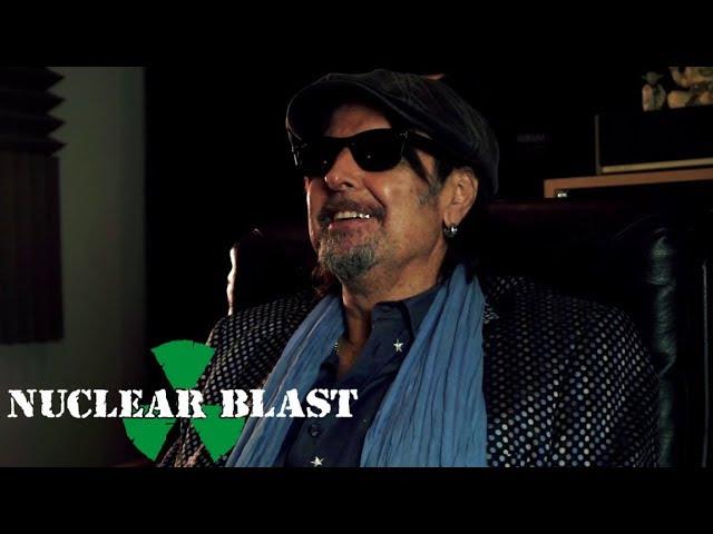 PHIL CAMPBELL spricht über 'Tears From A Glass Eye' und seine Zusammenarbeit mit Joe Satriani