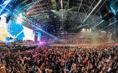 Bright Group setzt bei Avicii Tribute Concert auf ein Meyer Sound LEO Family System