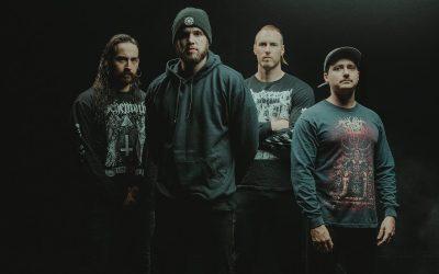 """AVERSIONS CROWN sprechen in neuem Albumtrailer über das Artwork von """"Hell Will Come For Us All"""""""