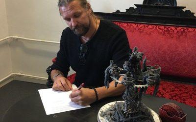 SILVER LAKE – Solo-Projekt von Esa Holopainen (AMORPHIS) signt Deal mit Nuclear Blast