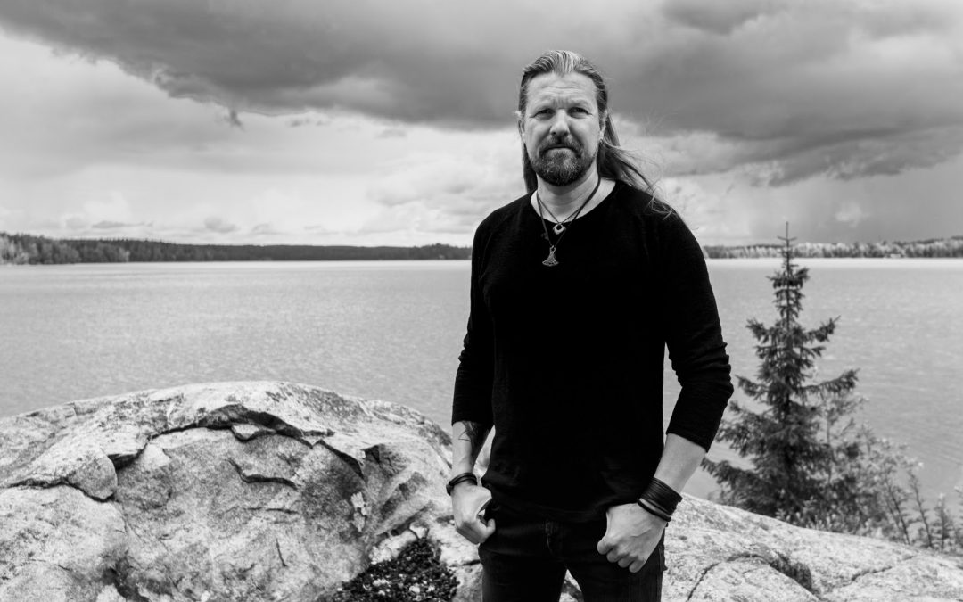 SILVER LAKE by ESA HOLOPAINEN enthüllen neuen Albumtrailer und sprechen über die Studioaufnahmen mit Nino Laurenne