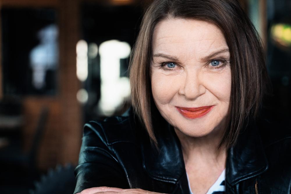 """Inga Rumpf feiert 75. Geburtstag und beschenkt sich und ihre Fans mit """"Universe Of Dreams"""" und """"Hidden Tracks"""""""