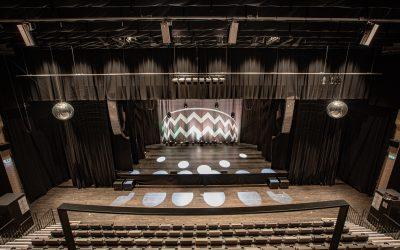 Meyer Sound LINA bietet im dänischen Kulturhus Trommen vielseitige Möglichkeiten von Flamenco bis Hard Rock